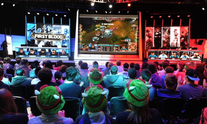 Esports and Competitive Gaming